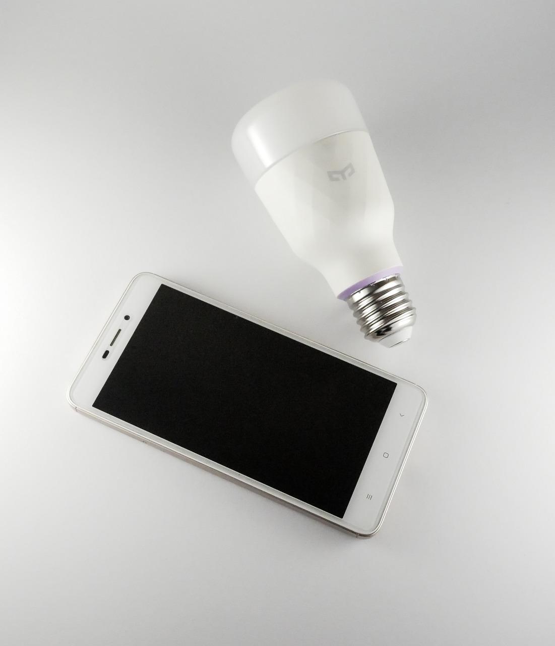 Światło włączane telefonem?